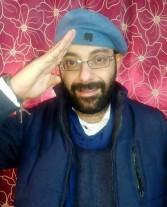"""الشاعر سمك يهدي """"المنصة"""" للقوات المسلحة"""