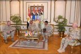 وزير الدفاع ورئيس أركان حرب القوات المسلحة يلتقيان قائد القيادة المركزية الأمريكية
