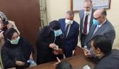 محافظ القاهرة يتابع عملية صرف المعاشات للمستحقين