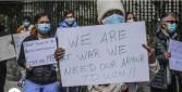 تظاهرات للطاقم الطبي بنيويورك بسبب نقص وسائل الحماية من كورونا