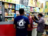 حملة تفتيش مكبرة على الأسواق والمحلات بحى الصداقة باسوان