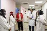 بالصور : الإعلامية معتزة مهابة تزور مستشفى الثدى لدعم مريضات سرطان الثدي
