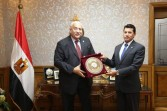 وزير الشباب ورئيس جامعة مدينة السادات يناقشان التعاون في الأنشطة والفعاليات الرياضية