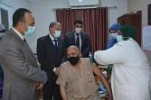 محافظ المنيا يتابع انتظام العمل في مراكز تطعيم كورونا