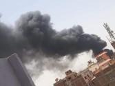قوات الحماية المدنية تحاصر حريقا نشب بمخزن حي الهرم بالجيزة