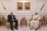 نائب رئيس الوزراء لشؤون الدفاع يستقبل السفير المصري بمسقط